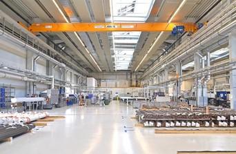 Industriehalle mit Tragschale