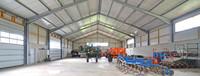 Maschinenhalle mit Sektionaltor