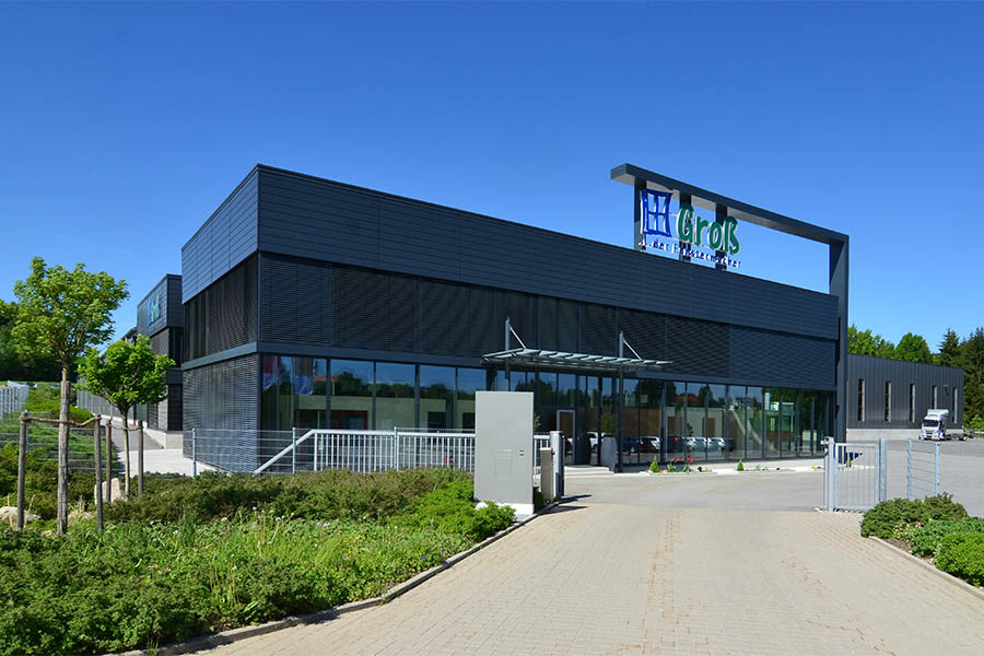 Bürogebäude mit Blechfassade