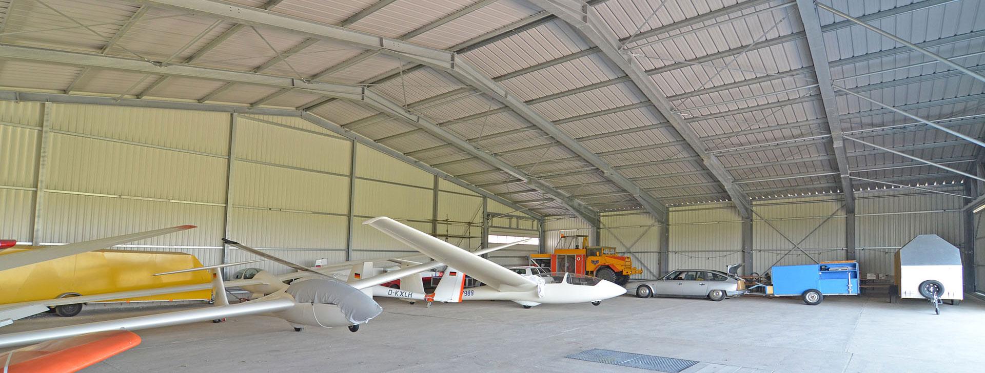 Lagerhalle für Segelflugzeuge