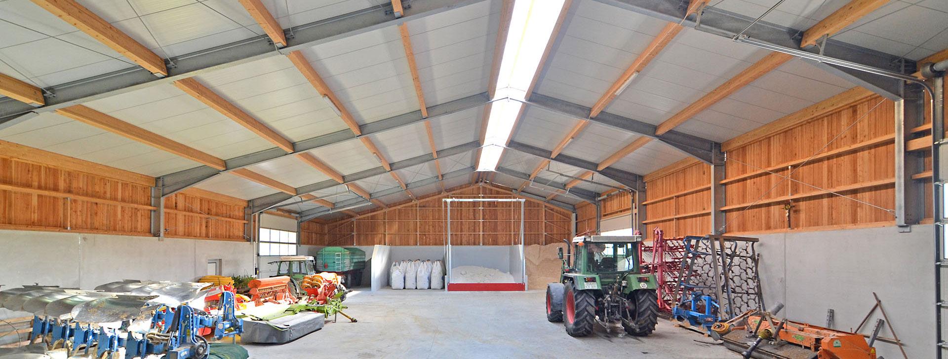 Lagerhalle mit Stahlrahmen