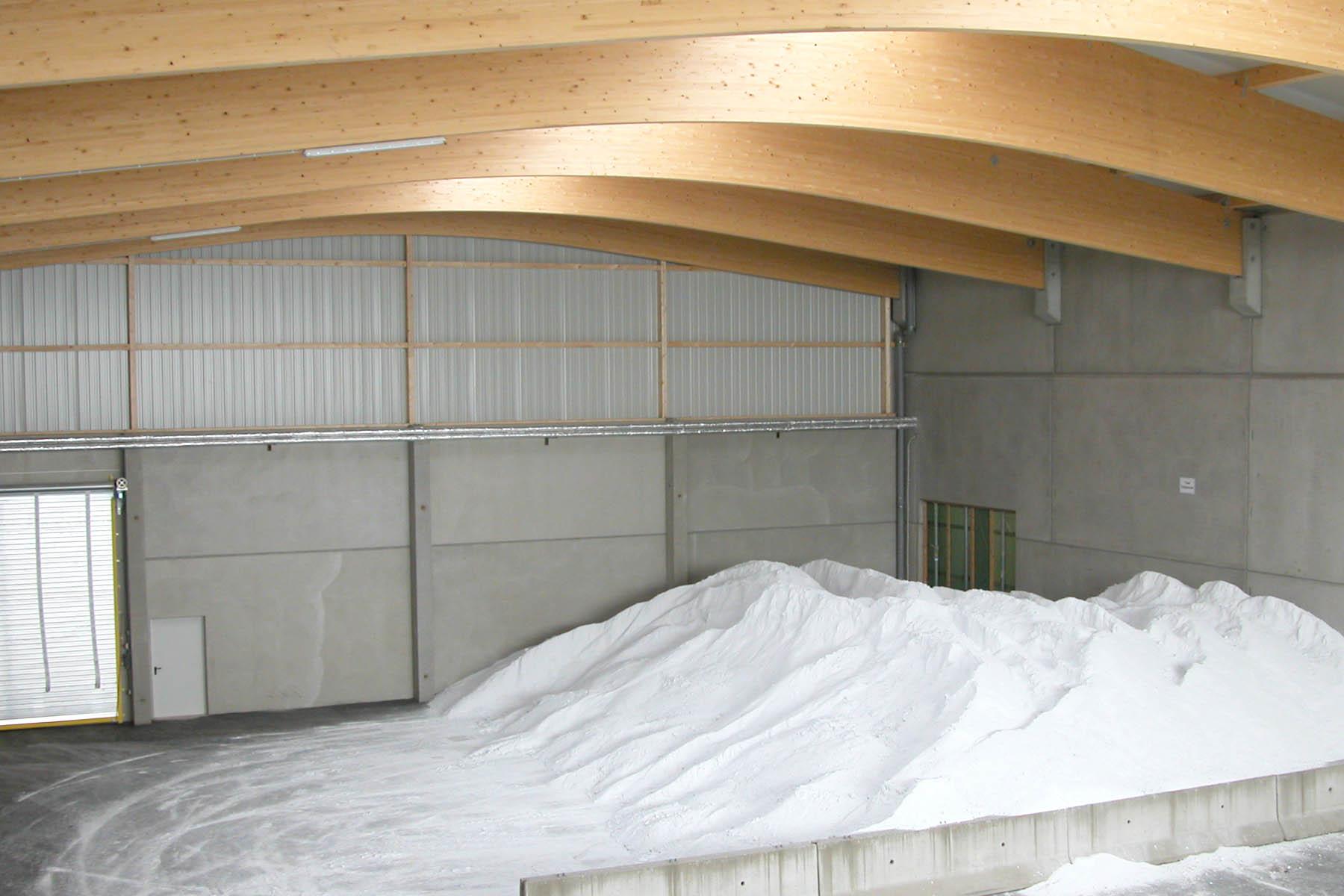 Salzlagerhalle mit Bogenbinder